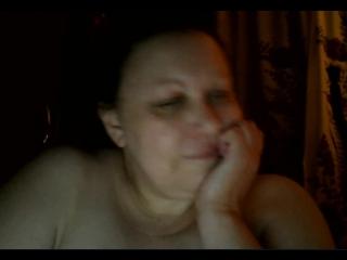 Зрелая показывает себя по скайпу, я трахнул проститутку в озере