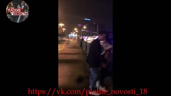 пара трахается посреди улицы - 9